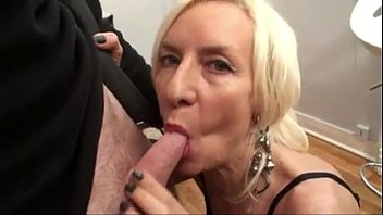 mature beautiful couple in very fucking bed room Milf at sex party